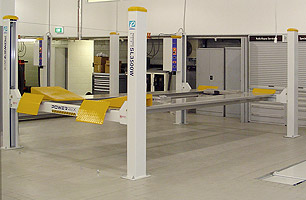 4 Post Hoists for large Automotive and Heavy Vehicles