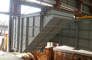 Prefabricated service pit staircase with tunnel being installed