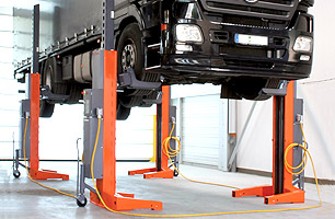 truck and bus hoists and lifts