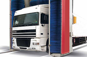 truck and bus washing systems