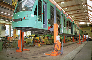 hoists for train and locomotive workshops